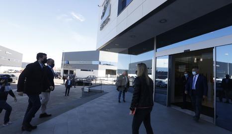 Pablo Casado ha visitat la seu de l'empresa ICG, on s'ha reunit amb diversos empresaris catalans.