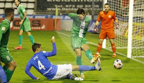 El Lleida cau davant del Cornellà en la seua estrena en el Camp d'Esports (2-3)