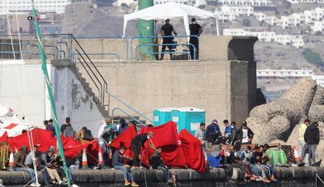 Immigrants al port canari d'Arguineguín.