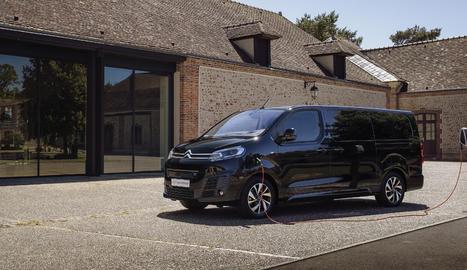 Permet escollir entre tres carrosseries segons les dimensions i pot assolir fins als 330 quilòmetres d'autonomia en cicle WLTP.