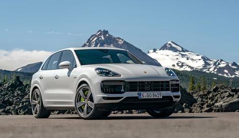 Porsche incrementa la capacitat de la bateria de la versió Connector Hybrid del Cayenne, de manera que ara disposa de 17,9 kWh en comptes de 14,1 kWh.