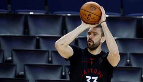 Marc Gasol, en una sessió d'entrenament amb els Raptors.