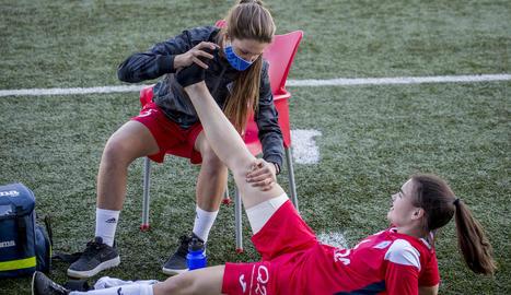 La fisioterapeuta de l'AEM es lesiona de gravetat al genoll