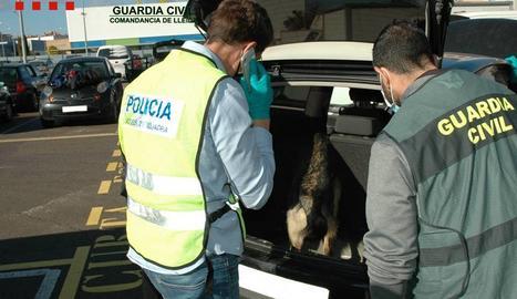 Troben un quilo i mig de cocaïna a l'interior d'un cotxe del dipòsit municipal d'Igualada