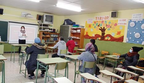 Sessió informativa d'Aspid a l'Escola Balàfia de Lleida.
