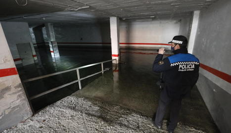 Imatge del pàrquing inundat ahir al matí.