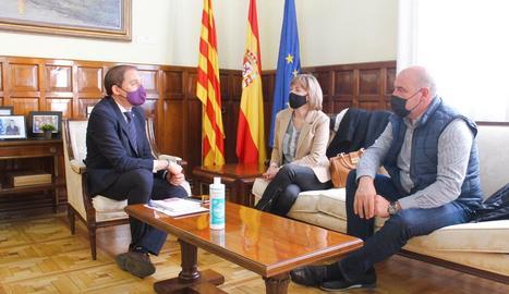 José Crespín, Mercè Gisbert i Francesc Torres, reunits ahir.