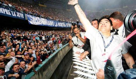 Diego Maradona també era adorat a Nàpols.