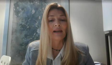L'alcalde, positiu en Covid, i la portaveu socialista, Begoña Iglesias, durant el ple telemàtic.