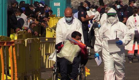Hostalers canaris es neguen a donar empara a més migrants.