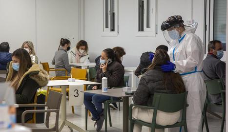 El cribratge massiu a Agramunt va acabar ahir amb només tres positius de 1.437 proves en dos dies.