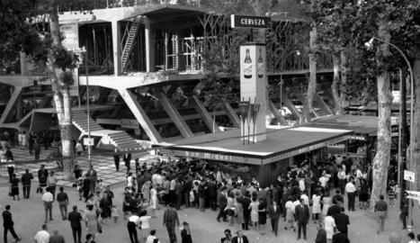 la vanguardia. Foto publicada al rotatiu barceloní de l'accident de l'Expreso de Galícia a l'estació de Montagut.