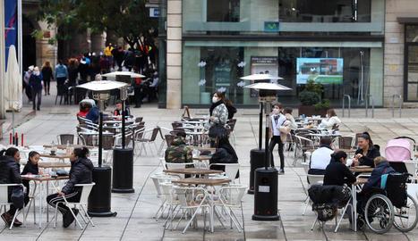 El restaurant Casa Tere va haver de penjar el cartell de complet ahir a l'omplir totes les taules que podia amb l'aforament limitat al 30%.