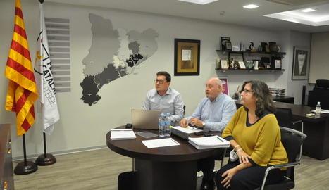 El president de la Federació Catalana, Joan Soteras, al centre, ahir durant la reunió telemàtica.
