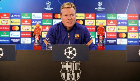 Ronald Koeman durant la roda premsa al partit amb el Ferencváros.