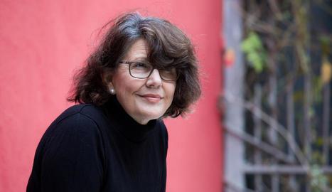 L'escriptora lleidatana Imma Monsó explora les relacions familiars a la seua última novel·la.
