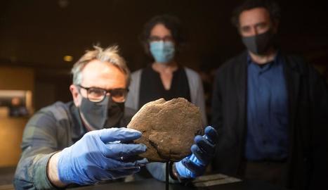 El MAC exhibeix uns nous gravats del paleolític superior.