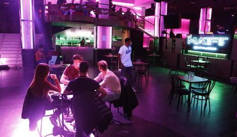La discoteca La Nuit va obrir ahir com a bar, però tornarà a tancar demà.
