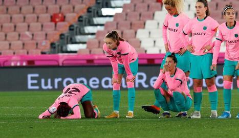 Les jugadores del Barça lamenten l'eliminació davant d'un Atlètic més encertat en els penals.