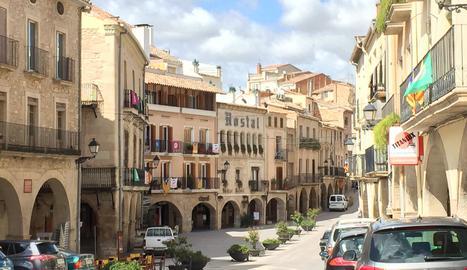 La plaça de l'1 d'Octubre de les Borges Blanques en una imatge d'arxiu.