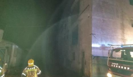 Un incendi en una granja d'Agramunt afecta 800 pollets