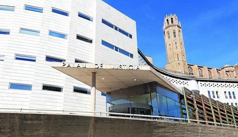 Vista general de l'edifici de l'Audiència de Lleida, al Canyeret.