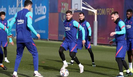 Sergi Roberto va completar ahir el seu primer entrenament amb la resta de companys del Barça.