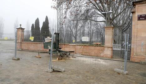 El tram de mur afectat s'ha tornat a reconstruir.
