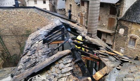 El foc es va iniciar en una casa del nucli d'Altron.