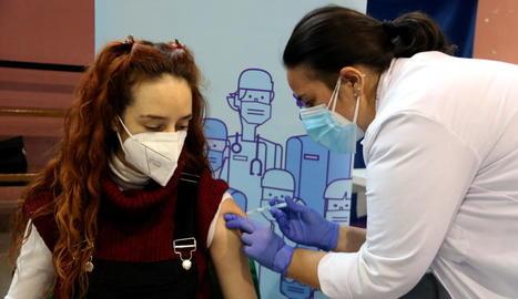 Salut comença a administrar la vacuna AstraZeneca a Lleida