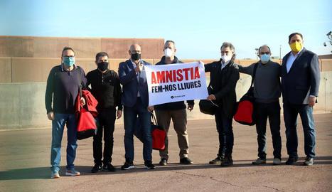 Els set presos de Lledoners van demanar l'amnistia al sortir en semillibertat el 28 de gener.