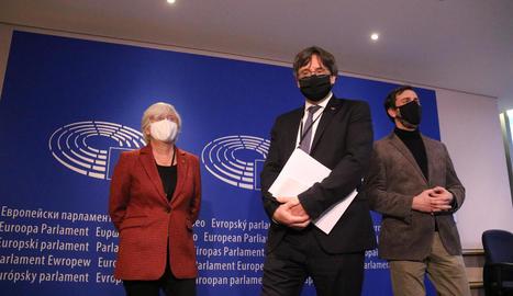 Clara Ponsatí, Carles Puigdemont i Toni Comín, el 14 de gener passat al Parlament Europeu.