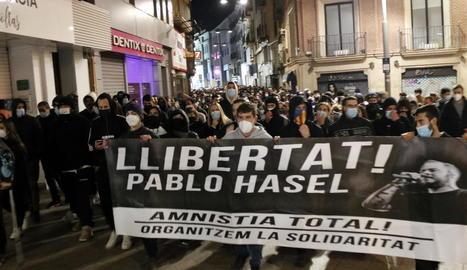 La Plataforma de suport a Hasél convoca accions de protesta durant tota la setmana per demanar la llibertat del raper