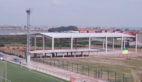 Aspecte actual de la pista poliesportiva de Rosselló.