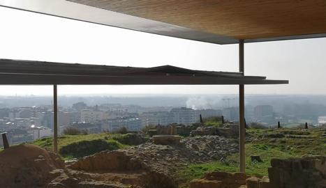 Imatge de la coberta deformada del Castell Formós.