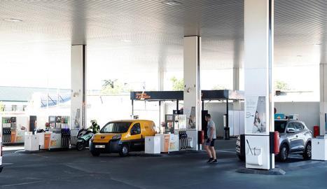 El preu dels carburants s'atansa a nivells previs a la Covid.