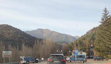 Control de Mossos a l'N-230 a Vilaller en direcció a Aran.