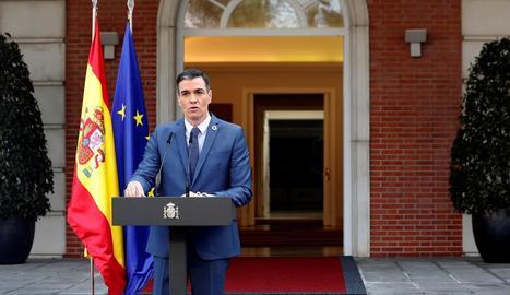 El president del Govern central, Pedro Sánchez, ahir durant la compareixença als jardins de la Moncloa.