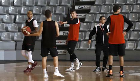 L'equip de Gustavo Aranzana ja fa una setmana que no pot entrenar-se a la pista.