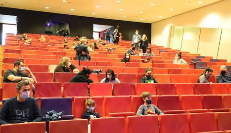 Públic familiar ahir en una de les sessions d'Animac a la Llotja, amb l'aforament reduït autoritzat.