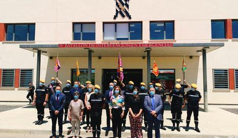 Oficiales del ejército en activo, miembros de grupos neonazis