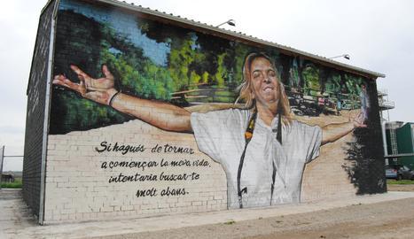 El mural de Lily Brik a Bell-lloc.