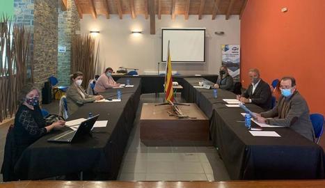 La reunió de dimarts a Sort dels presidents dels consells del Pirineu i la síndica d'Aran.