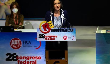 La ministra d'Indústria, Reyes Maroto, ahir, durant un acte de la UGT-FICA.