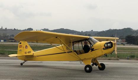 L'avió a Sabadell, on va fer un vol de prova.