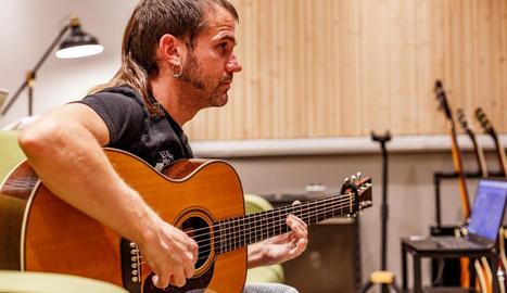 Freixas fa 'Memòria' amb Brossa i Papasseitel cantautor reivindica la història col·lectiva