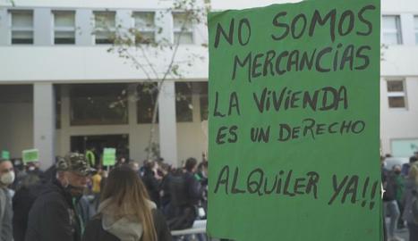 Una manifestació pel dret a un habitatge digne.