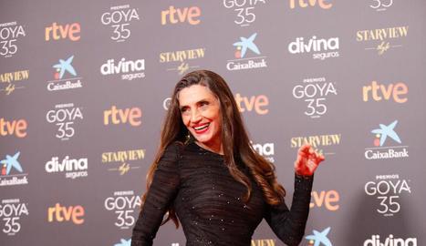 El moment en què comuniquen a Pilar Palomero el Goya a la millor direcció novella per 'Las niñas'.