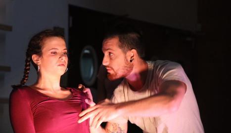Una imatge de la 'performance' de l'Inefc Lleida 'Me la passes?'.