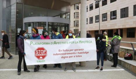 Jutgen per usurpació 13 persones identificades en el desallotjament d'un bloc recuperat per la PAH a Lleida el 2019